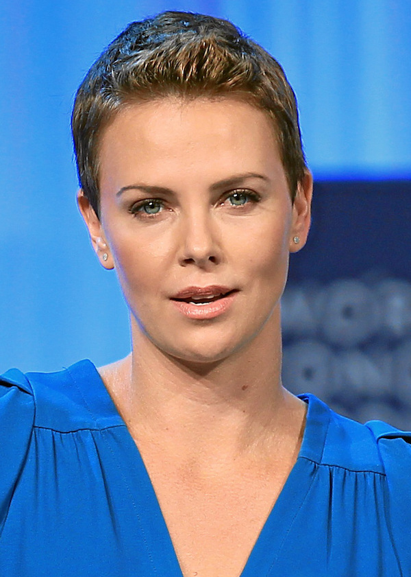 charlize theron dating 2013 Los angeles – after sparking rumours that she is dating funnyman seth macfarlane, a source has confirmed that charlize theron is definitely still single the 37-year-old oscar winning actress was spotted on a dinner date with seth at sushi restaurant matsuhisa in beverly hills on sunday night.